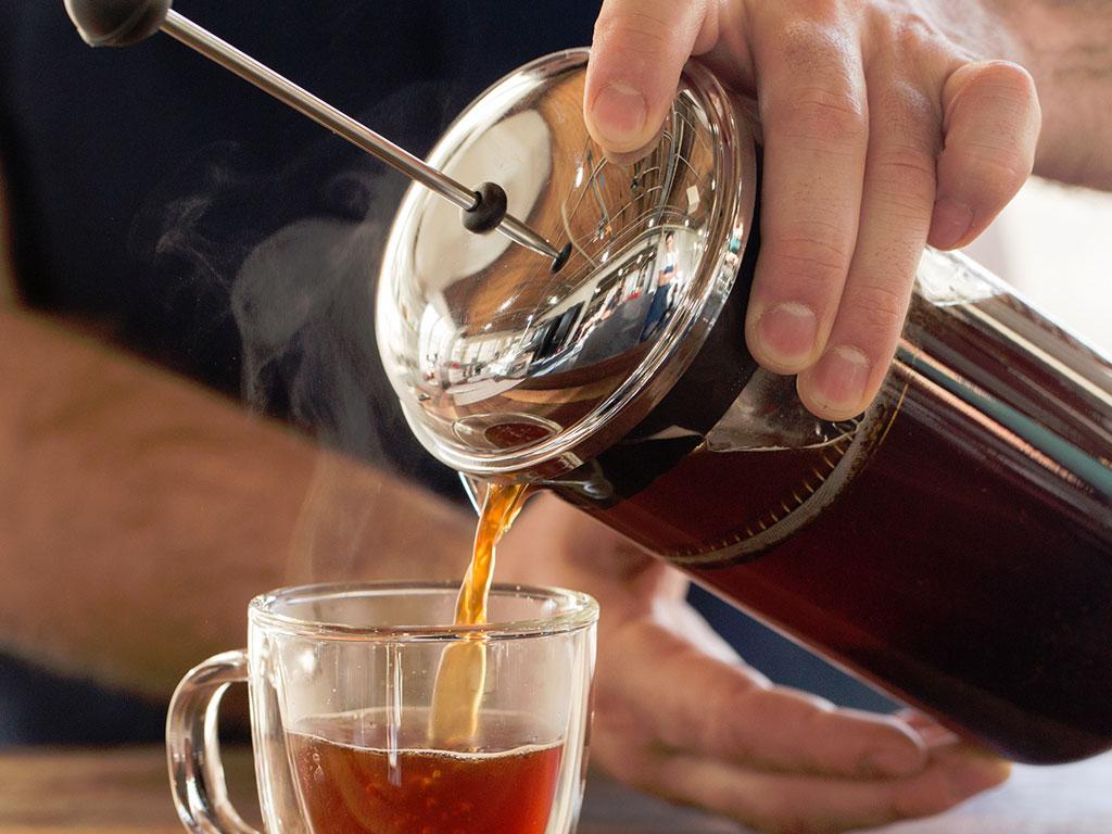 Приготовление кофе в френч-прессе