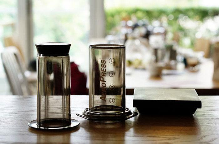 Порядок действий приготовлении кофе в аэропрессе